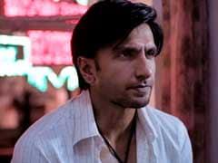 Gully Boy Trailer: रणवीर सिंह आंखों में काजल लगाकर बने रैपर, 'गली बॉय' के 'असली हिप हॉप' से जीता दिल...देखें Video