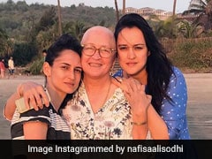 Nafisa Ali Battling Cancer, Spends Time With Family In Goa On New Year's