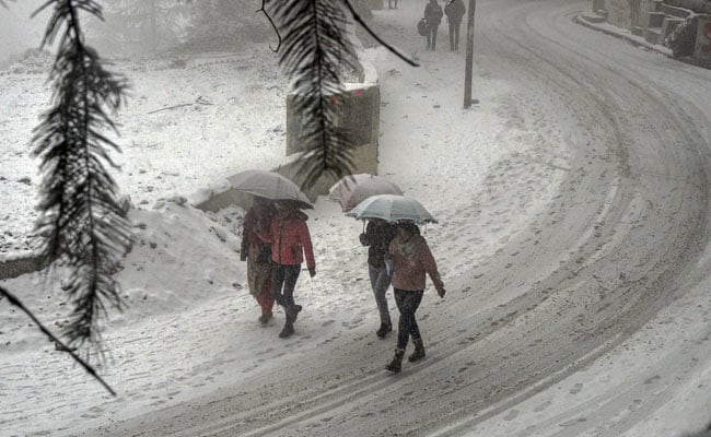 Intense Cold Wave Freezes Himachal Pradesh
