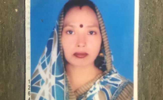 दिल्ली में मामूली बात पर महिला का कत्ल, पति और बेटा घायल; लोग वीडियो बनाते रहे
