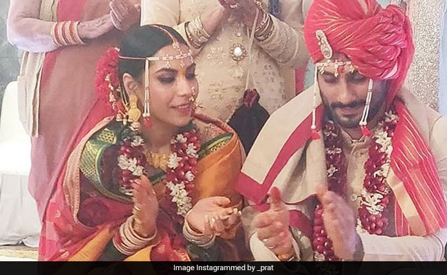 Prateik Babbar And Sanya Sagar In A Pic From Their Wedding. Seen Yet?