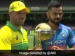 Ind vs Aus: वनडे सीरीज के ठीक पहले वर्ल्डकप ट्रॉफी के साथ नजर आए कोहली और फिंच