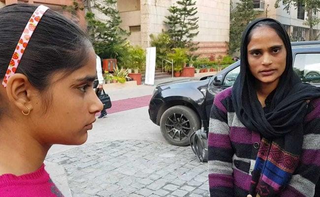 शहीद हेमराज को क्या भूल गई सरकार? मदद के लिए बेटी के साथ दर-दर की ठोकरें खा रही पत्नी