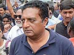 Actor Prakash Raj Files Nomination As Independent From Bangalore Central