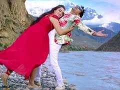 आम्रपाली दुबे और निरहुआ हसीन वादियों में हुए रोमांटिक, वायरल Video ने उड़ाया गरदा