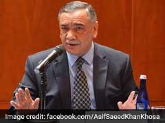 "Pakistan's ""Poetic Justice"" Takes Oath, Pledges Reform"