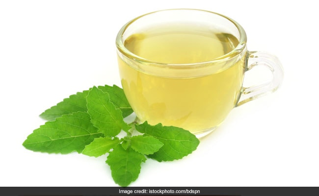 Herbal Tulsi Tea: An Ayurvedic Home Remedy To Treat Dry Cough