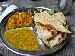 महाराष्ट्र विधान भवन की कैंटीन के शाकाहारी भोजन में मिले चिकन के टुकड़े