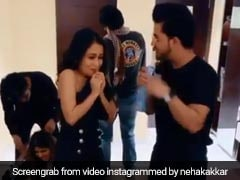 नेहा कक्कड़ ने 'पहला नशा' पर लगाया कॉमेडी का तड़का, वायरल Video ने मचा दिया धमाल