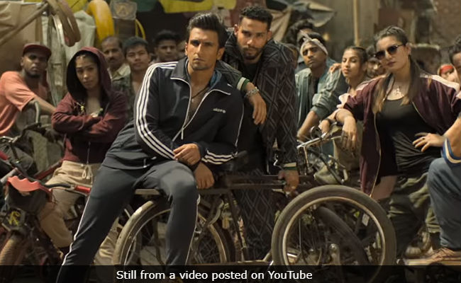 Gully Boy's Mere Gully Mein: Ranveer Singh, Naezy And Divine Take You Where It All Started