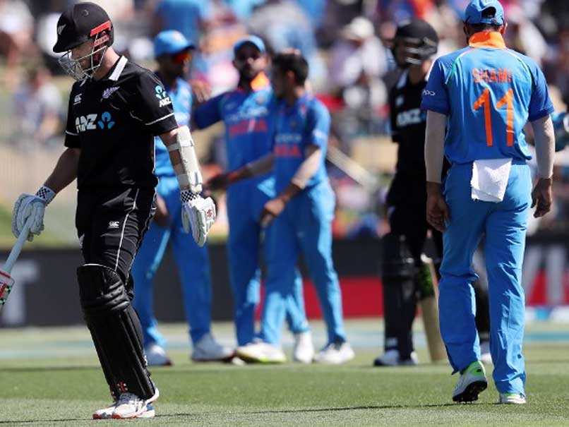 3rd ODI Live: Ross Taylor, Tom Latham Lead New Zealand
