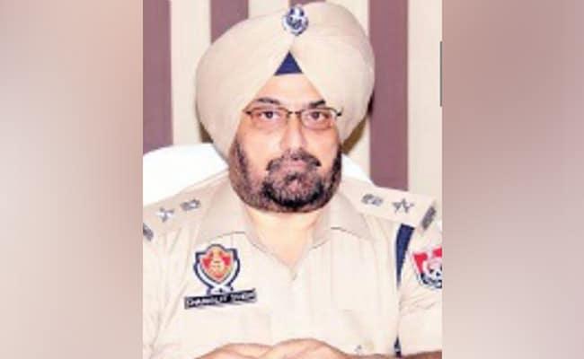 बेहबल कलान पुलिस फायरिंग मामला: पंजाब के पूर्व पुलिस अधिकारी चरणजीत सिंह शर्मा को SIT ने गिरफ्तार किया