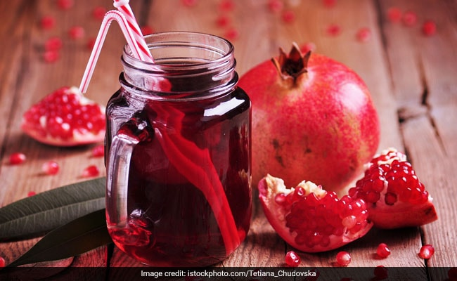 Here's How Pomegranate Juice Can Benefit You�