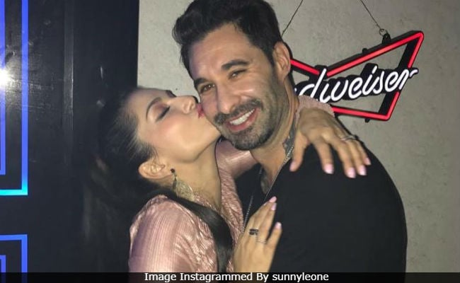Sunny Leone And Husband Daniel Weber Dance To Simmba's Aankh Marey In Viral Video