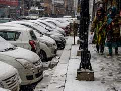 Heaviest Snowfall Brings Kashmir To Standstill, Power Cuts In Most Parts