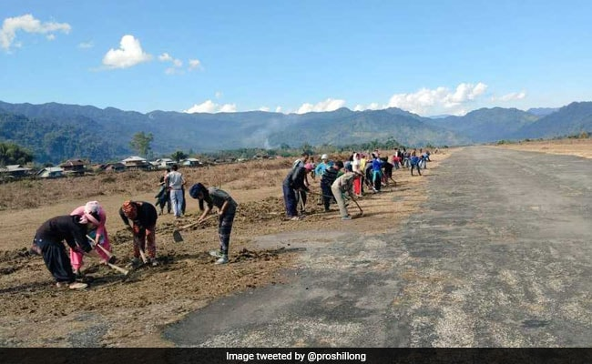 Villagers Prevent IAF Chopper Landing At Vijaynagar In Arunachal Pradesh