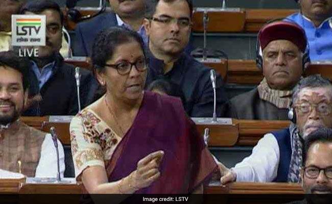 निर्मला सीतारमन ने कांग्रेस से पूछा- राफेल पर HAL की इतनी ही चिंता थी तो अगस्ता वेस्टलैंड से सौदा क्यों हुआ