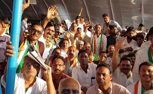 मध्य प्रदेश में 12 हजार कार्यकर्ताओं को बड़ा 'गिफ्ट' देगी कांग्रेस सरकार, जानिये क्या है पूरा मामला...