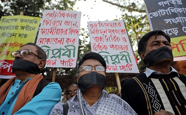 Bangladesh Opposition Boycotts Swearing-In Amid Calls To Probe Rigging