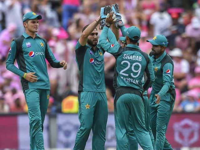4th ODI: Pakistan Bowlers Force Series Decider After Sarfraz Ahmed Ban