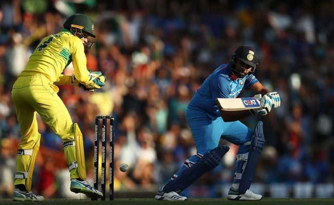 India vs Australia 1st ODI: रोहित की शतकीय पारी बेकार, भारत की पहले वनडे में 34 रन से हार