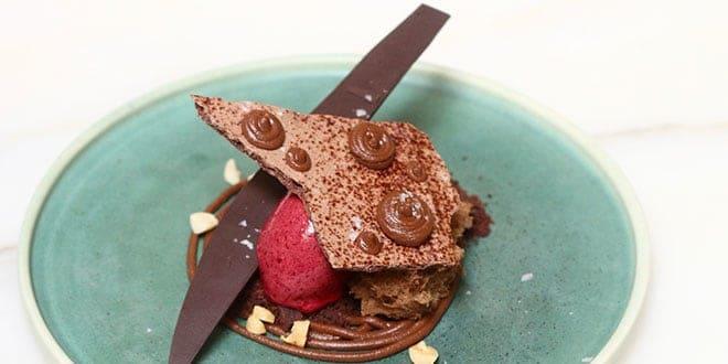 मिल्क चॉकलेट एंड पीनट बटर गनाश