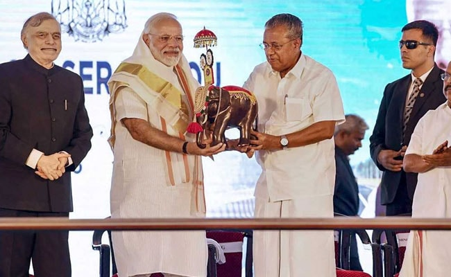 Pinarayi Vijayan Booed By Suspected BJP Supporters, Issues Sharp Rebuke