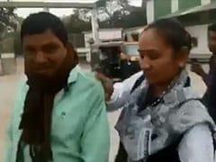 मध्य प्रदेश: सरकारी कर्मचारी को गाली और धक्के देते कैमरे में कैद हुईं MLA, कहा- हमें किसी का डर नहीं