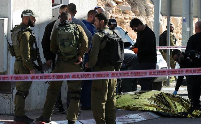 Israeli Forces Kill Knife-Wielding Palestinian Girl, Say Police