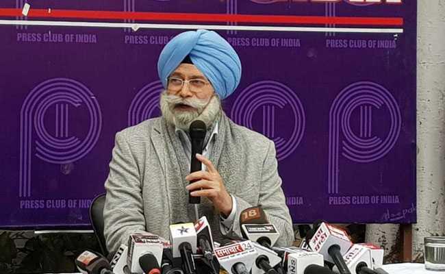 केंद्रीय मंत्री विजय गोयल संग मुलाकात पर AAP छोड़ने वाले एचएस फुल्का बोले- हम अच्छे दोस्त हैं