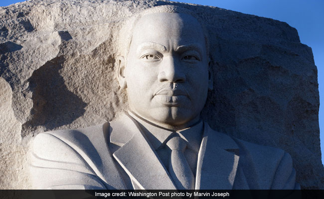 Trump, Pence commemorate MLK Day with brief visit to national monument