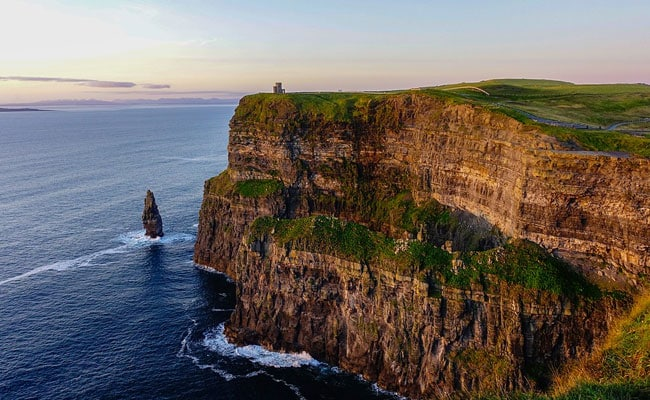 Student dies after falling from Cliffs of Moher 'while taking selfie'