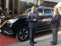 Anand Mahindra Purchases A New SUV - Mahindra Alturas G4