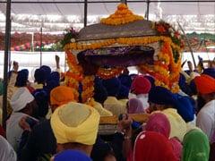 गुरु गोबिंद सिंह के जन्मस्थल से निकली प्रभात फेरी, 'जो बोले सो निहाल' से गूंज उठा पूरा हरिमंदिर साहिब