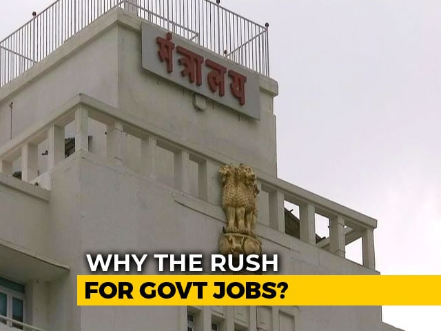 Video : Graduates Among 7,000 Who Apply For 13 Waiter Jobs At Maharashtra Secretariat Canteen
