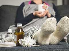 Winter Health: सर्दियों में ठंडा पानी पीने से होती हैकब्ज! हार्ट अटैक का भी खतरा