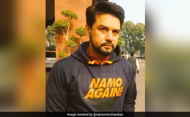 'Looking Good': PM Modi's Retweet Sets Off 'NaMo Again' Hoodie Challenge