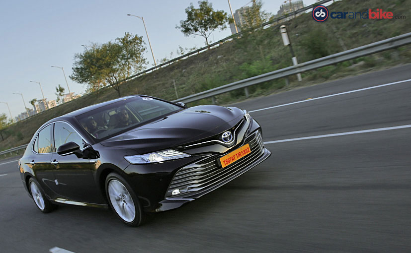 The new generation of the Toyota Camry Hybrid, looks better than ever before but how well does it drive?