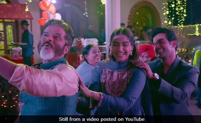 Ek Ladki Ko Dekha Toh Aisa Laga Movie Review: Sonam, Anil Kapoor's Film Is A Whiff Of Fresh Air With Daring Vision And Entertainment