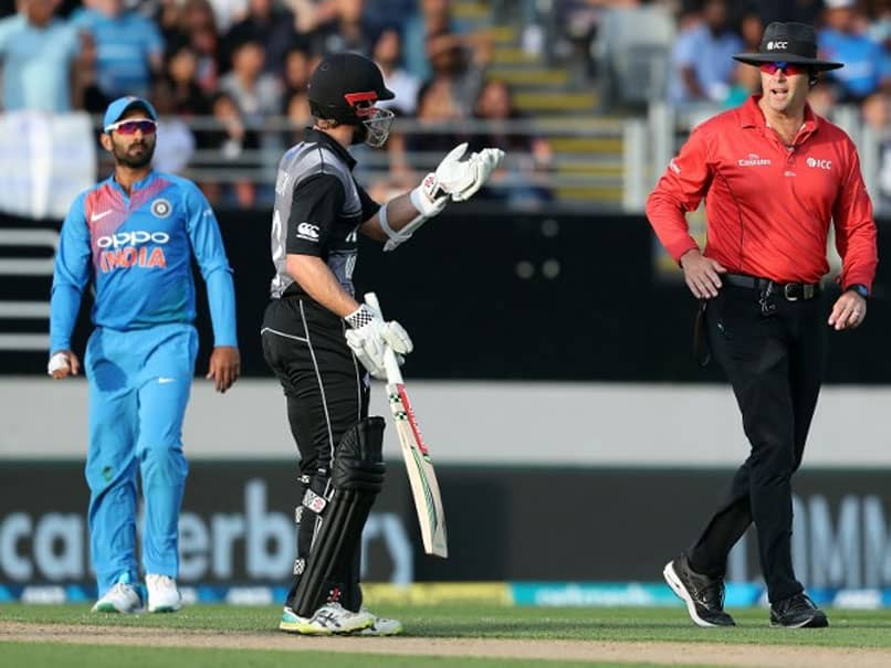 Controversial LBW Decision Sparks Reaction, Twitter Slams DRS Howler