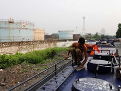 Hindustan Petroleum Profit Slumps 87% In December Quarter