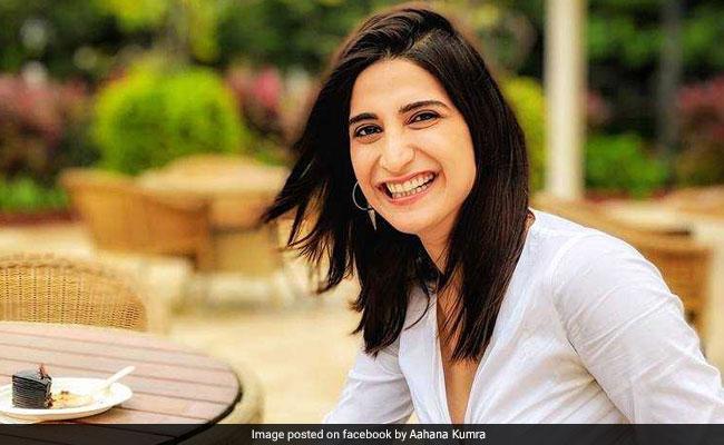 एक सुंदर महिला राजनीति में क्यों नहीं आ सकती? प्रियंका गांधी का रोल करने वाली अभिनेत्री का सवाल