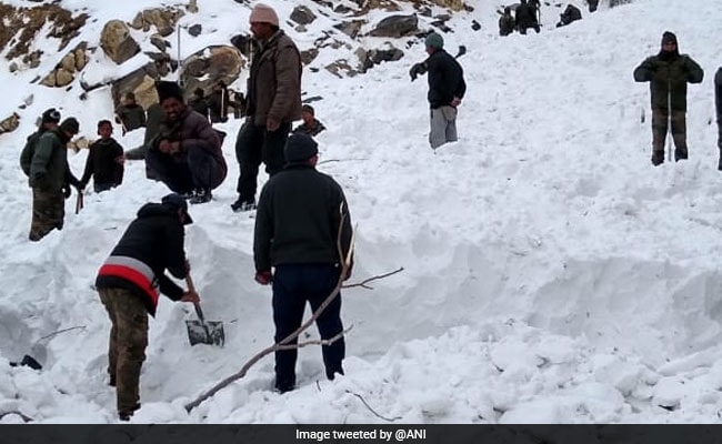 Body of Army Jawan Recovered 10 Days After Himachal Pradesh Avalanche