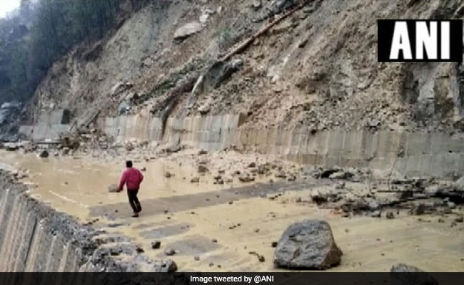 School, Colleges In Himachal's Kullu To Be Shut Over Snowfall, Hailstorm