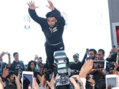 'Grow Up,' Ranveer Singh Told By Internet After Impromptu Stage Dive At Lakme Fashion Week Injures Some
