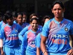 बिना मैच खेले इंडियन महिला क्रिकेट टीम पहुंची फाइनल में, तो अनुष्का शर्मा ने किया ट्वीट, कही यह बात...