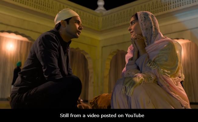 Ek Ladki Ko Dekha To Aisa Laga Box Office Collection Day 2: धांसू हुई सोनम कपूर की शुरुआत, कमाए इतने करोड़