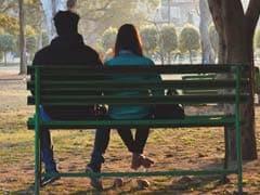 पार्क में बैठ Valentine's Day मना रहा था प्रेमी जोड़ा, Bajrang Dal ने जबरदस्ती कराई शादी