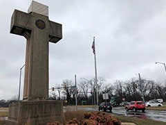 US Top Court Sympathetic Toward Maryland Cross In Major Religion Case