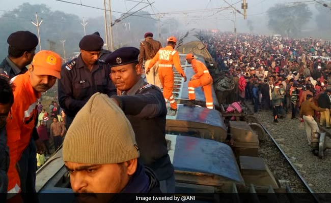 सीमांचल एक्सप्रेस हादसा: रेलवे ने जारी किए ये हेल्पलाइन नंबर